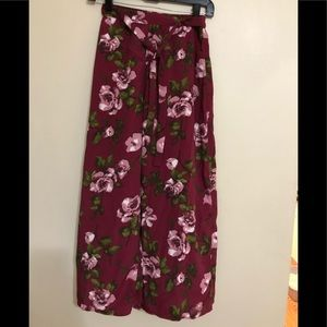New band of gypsies floral pull on pants